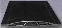Исследования технологических свойств титанового сплава ВТ6 показали, что он может быть успешно использован в технологии СПФ/СД в условиях низкотемпературной сверхпластичности при температурах 750-800°С. Из этого сплава изготовлена модель полой лопатки трехслойной гофровой конструкции.